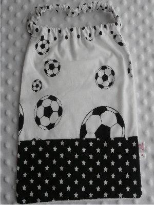 Serviette élastiquée bébé/enfant Foot / étoile blanc noir pois noir