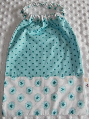 Serviette élastiquée bébé/enfant Etoile vert / étoile rond vert blanc